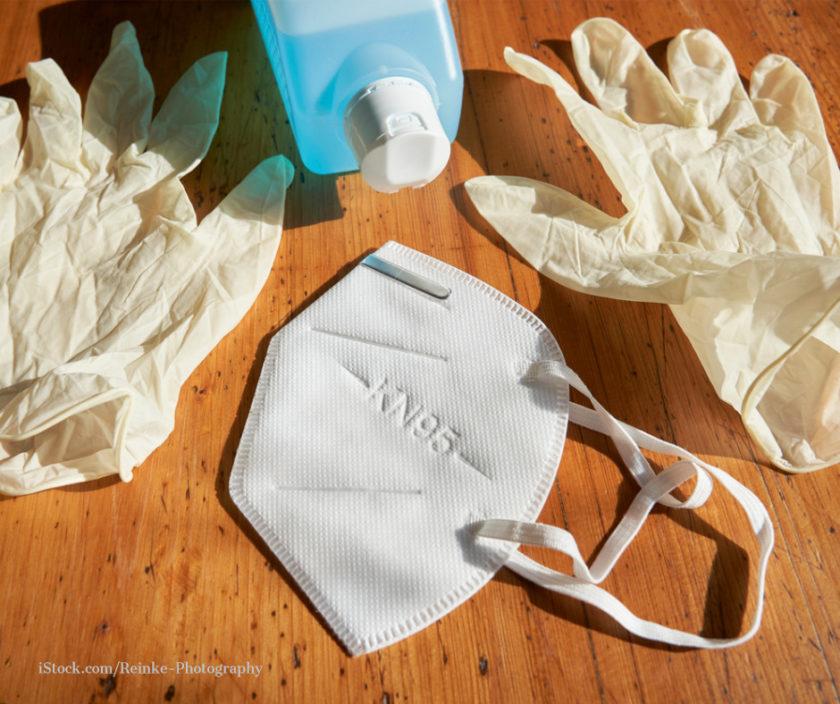 FFP2 Maske, Einmalhandschule und Desinfektionsmittel